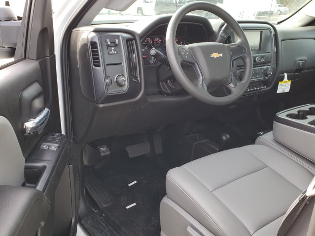 2018 Silverado 3500 Regular Cab DRW 4x4,  Monroe Platform Body #1180911 - photo 4