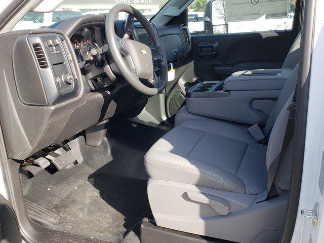 2018 Silverado 3500 Regular Cab DRW 4x2,  Reading Service Body #1181094 - photo 3