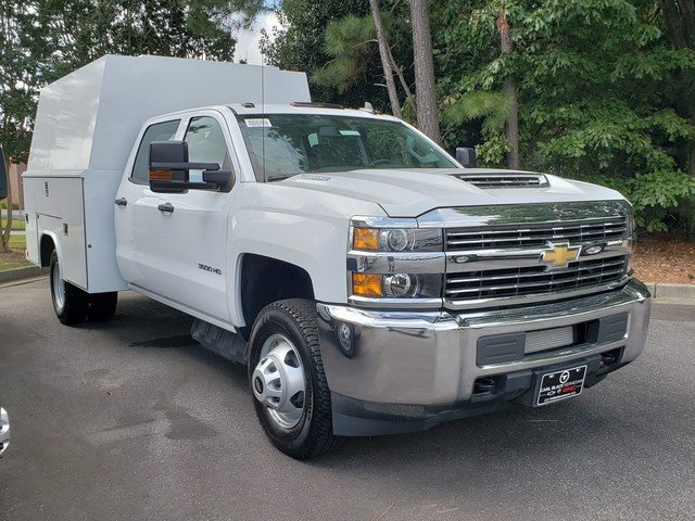 2018 Silverado 3500 Crew Cab DRW 4x4,  Reading Panel Service Body #1181104 - photo 8