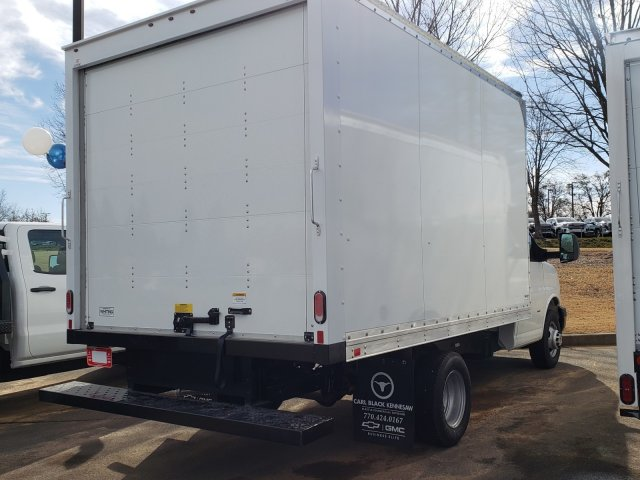 2018 Express 3500 4x2, Supreme Iner-City Cutaway Van #F11906799 - photo 5