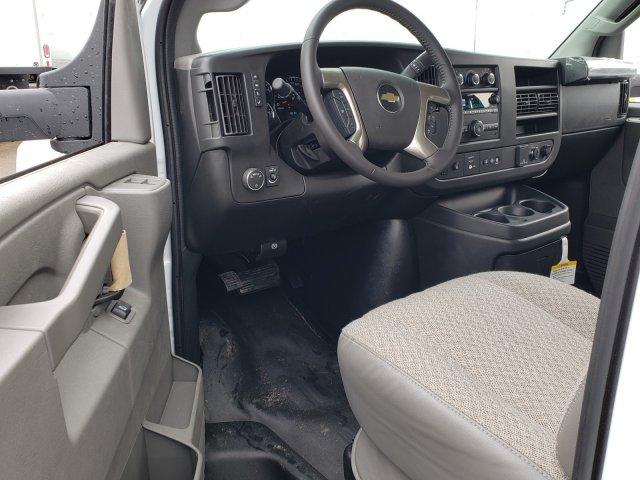 2019 Express 3500 4x2,  Supreme Iner-City Cutaway Van #F1190682 - photo 5