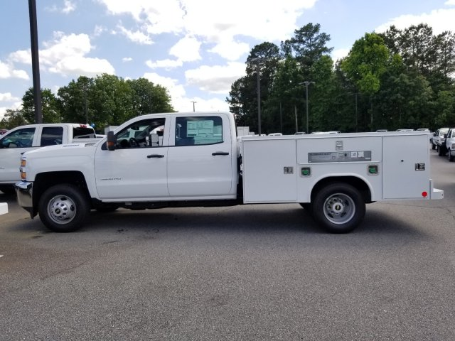 2019 Silverado 3500 Crew Cab DRW 4x2,  Reading Service Body #F1190854 - photo 1
