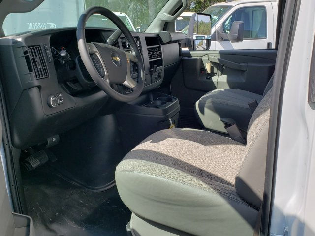 2019 Express 3500 4x2,  Supreme Iner-City Cutaway Van #F1190880 - photo 4