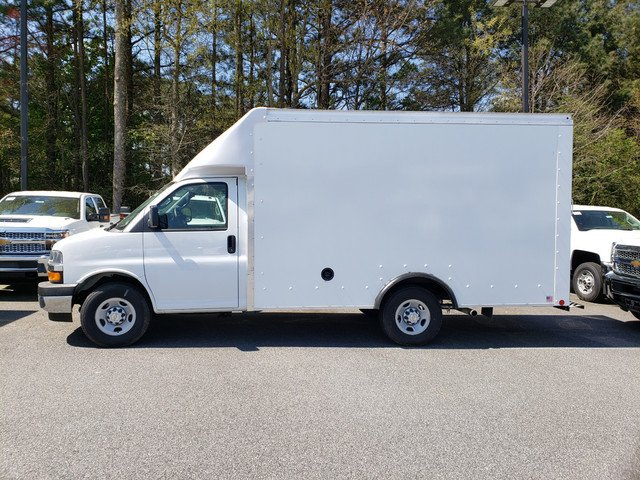 2019 Express 3500 4x2,  Rockport Cargoport Cutaway Van #F1190930 - photo 3