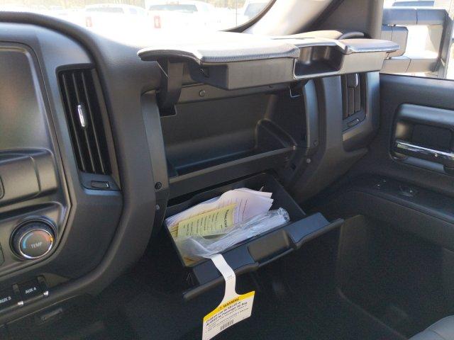 2019 Silverado 2500 Double Cab 4x2, Reading Service Body #F1191546 - photo 17