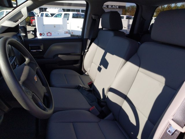 2019 Silverado 2500 Double Cab 4x2, Reading Service Body #F1191546 - photo 19