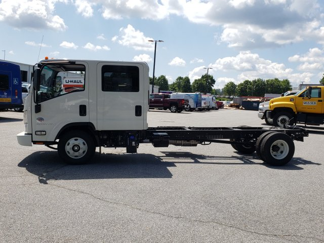 2019 LCF 4500HD Crew Cab 4x2, Cab Chassis #M1990005 - photo 3