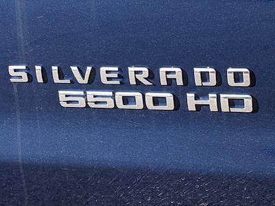 2019 Chevrolet Silverado Medium Duty Regular Cab DRW 4x2, Rollback Body #M1990075 - photo 10