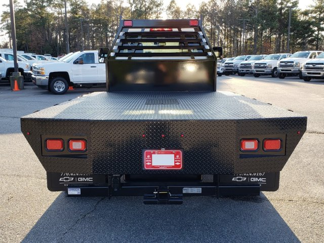 2019 Silverado Medium Duty Regular Cab DRW 4x2, Commercial Truck & Van Equipment Gooseneck Platform Body #M1990086 - photo 6
