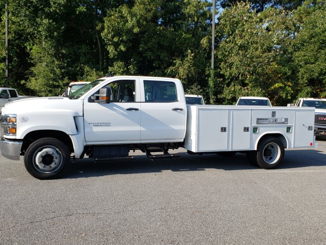 2019 Silverado Medium Duty Crew Cab DRW 4x2, Reading Service Body #M1990095 - photo 1