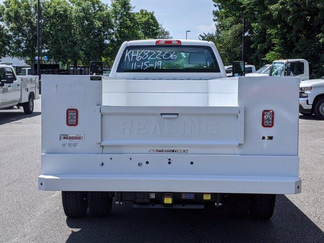 2019 Chevrolet Silverado Medium Duty Regular Cab DRW 4x4, Reading SL Service Body #M1990143 - photo 19