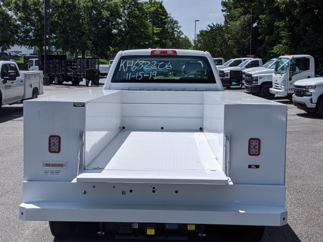 2019 Chevrolet Silverado Medium Duty Regular Cab DRW 4x4, Reading SL Service Body #M1990143 - photo 21
