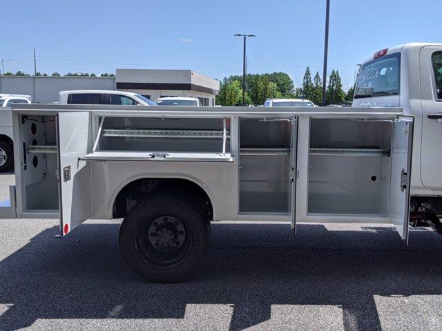 2019 Chevrolet Silverado Medium Duty Regular Cab DRW 4x4, Reading SL Service Body #M1990143 - photo 6