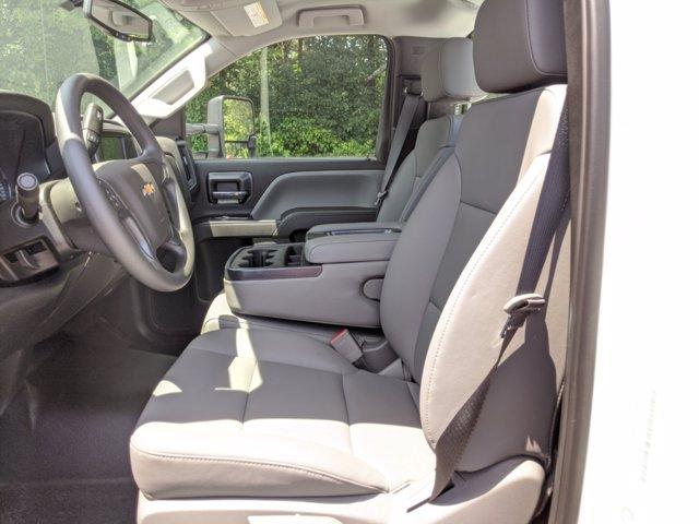 2019 Chevrolet Silverado Medium Duty Regular Cab DRW 4x4, Reading SL Service Body #M1990143 - photo 24