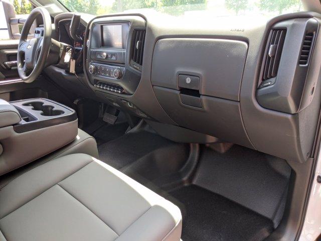 2019 Chevrolet Silverado Medium Duty Regular Cab DRW 4x4, Reading SL Service Body #M1990143 - photo 25