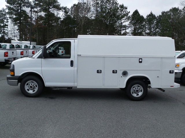 2016 Savana 3500, Knapheide Service Utility Van #1360540 - photo 2