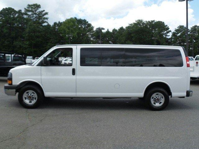 2016 Savana 3500 Passenger Wagon #1361712 - photo 3