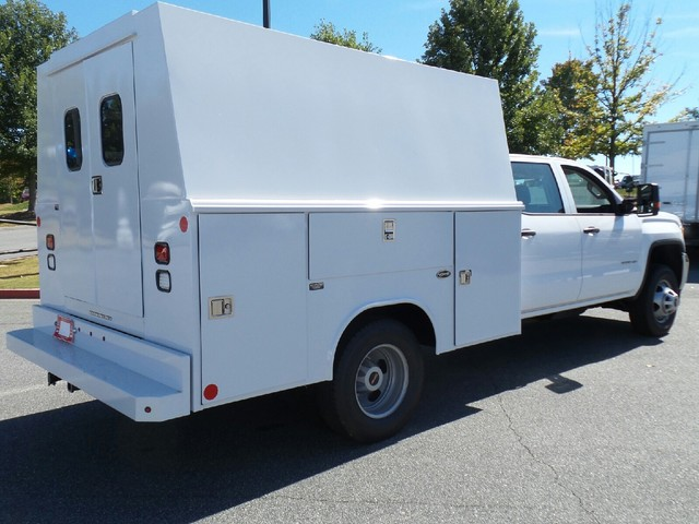 2016 Sierra 3500 Crew Cab, Reading Service Utility Van #1361785 - photo 2