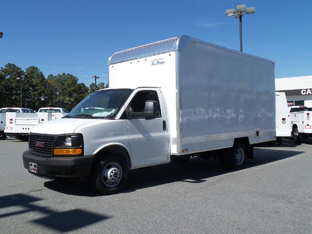2016 Savana 3500, Bay Bridge Cutaway Van #1361846 - photo 3