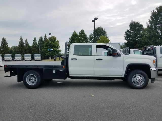 2016 Sierra 3500 Crew Cab 4x4 Platform Body #1362114 - photo 2