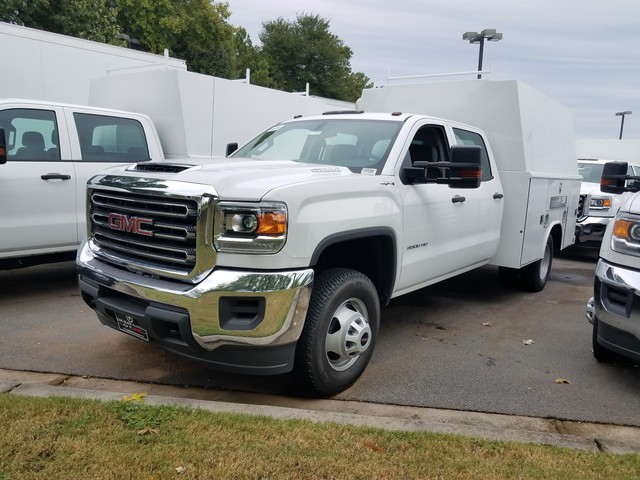 2017 Sierra 3500 Crew Cab DRW 4x4, Reading Spacemaster Body Service Utility Van #1371278 - photo 1