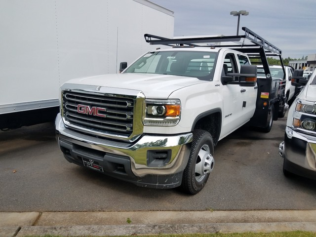 2017 Sierra 3500 Crew Cab DRW 4x4, Contractor Body #1371346 - photo 1