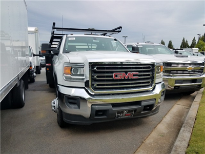 2017 Sierra 3500 Crew Cab DRW 4x4, Contractor Body #1371346 - photo 2