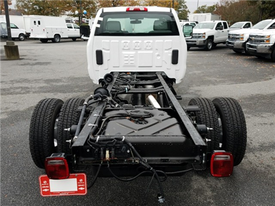 2018 Sierra 3500 Regular Cab DRW 4x4 Cab Chassis #1380140 - photo 6