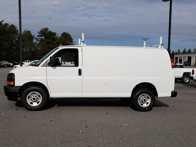 2018 Savana 2500 4x2,  Empty Cargo Van #1381346 - photo 2