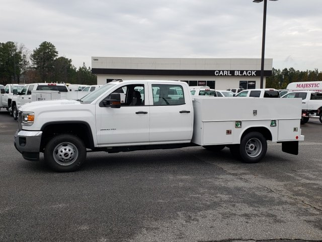 2019 Sierra 3500 Crew Cab DRW 4x2,  Reading Service Body #1390308 - photo 1