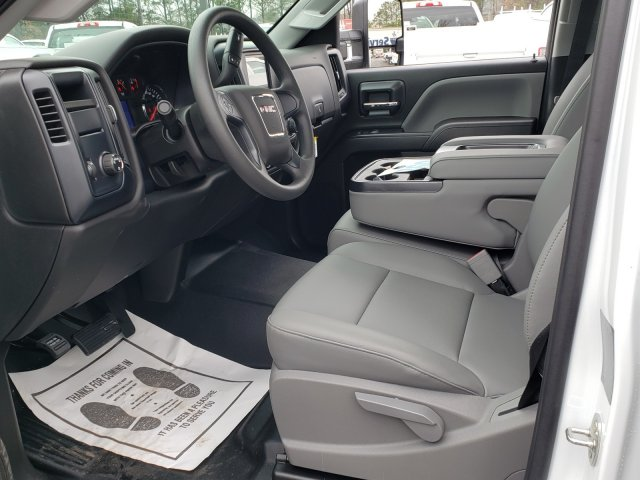 2019 Sierra 3500 Crew Cab DRW 4x2,  Reading Classic II Steel Service Body #1390308 - photo 3