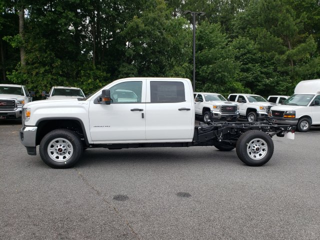 2019 Sierra 3500 Crew Cab 4x4,  Cab Chassis #1391084 - photo 2