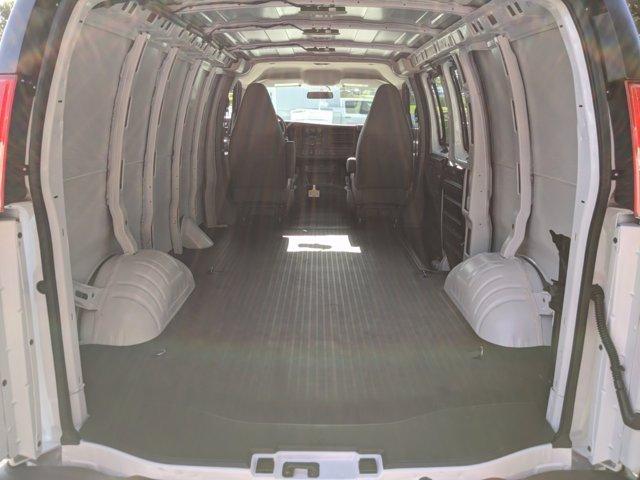 2020 GMC Savana 2500 RWD, Empty Cargo Van #F1300600 - photo 2
