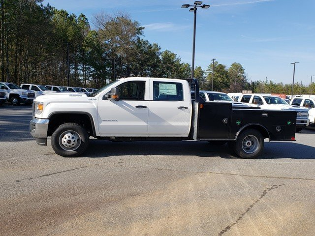 2019 Sierra 3500 Crew Cab DRW 4x4,  CM Truck Beds Hauler Body #F1390616 - photo 2