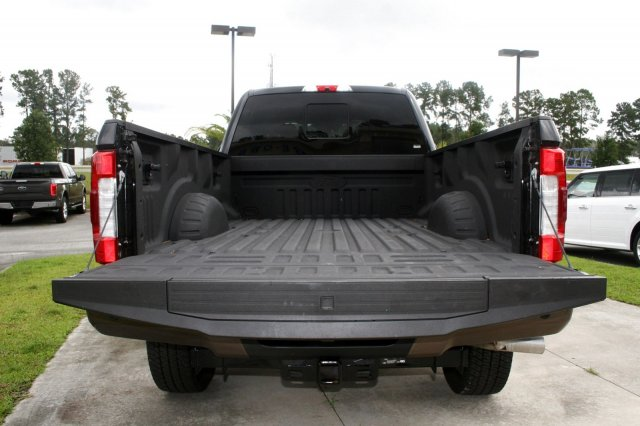 2017 F-250 Crew Cab 4x4 Pickup #00R10350 - photo 17
