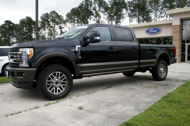 2017 F-250 Crew Cab 4x4 Pickup #00R10350 - photo 4