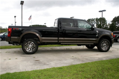2017 F-250 Crew Cab 4x4 Pickup #00R10350 - photo 8