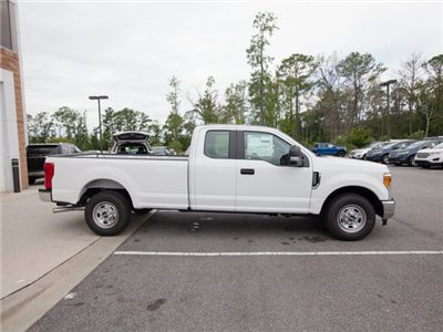 2017 F-250 Super Cab Pickup #00T11990 - photo 9
