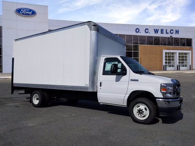2021 Ford E-450 4x2, Supreme Dry Freight #00T30493 - photo 1
