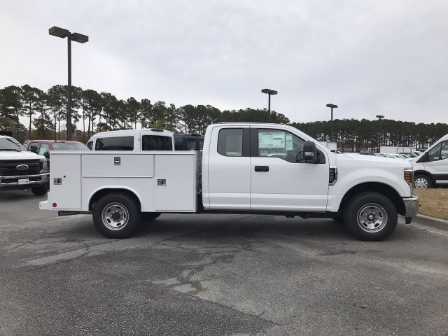 2019 F-250 Super Cab 4x2,  Reading Service Body #00T70889 - photo 4