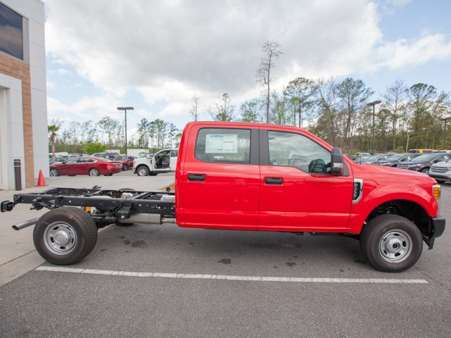 2017 F-350 Crew Cab 4x4 Cab Chassis #00T90842 - photo 8