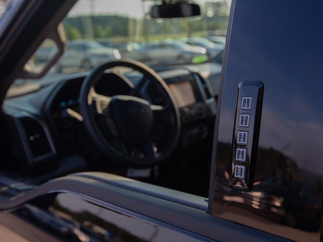 2018 F-150 SuperCrew Cab 4x2,  Pickup #00T94339 - photo 14
