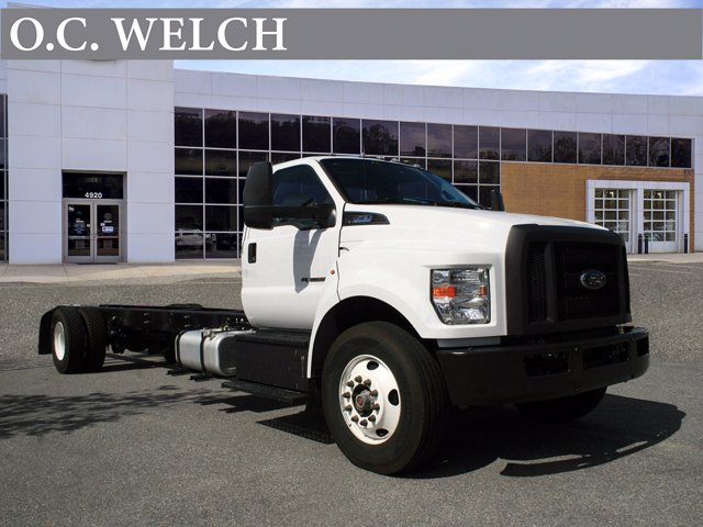 2018 Ford F-750 Regular Cab DRW 4x2, Cab Chassis #0PA00026 - photo 1