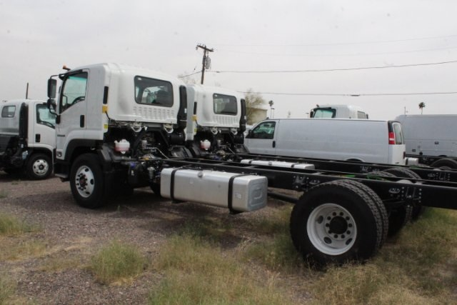 2018 FTR Regular Cab,  Cab Chassis #81461 - photo 2