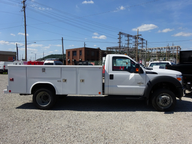 2016 F-550 Regular Cab DRW 4x4,  Reading Service Body #BF0082 - photo 3