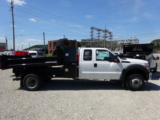 2016 F-550 Super Cab DRW 4x4, Crysteel Dump Body #BF0087 - photo 3
