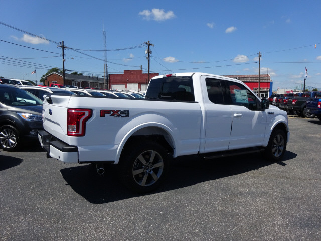 2017 F-150 Super Cab 4x4, Pickup #BF0378 - photo 2
