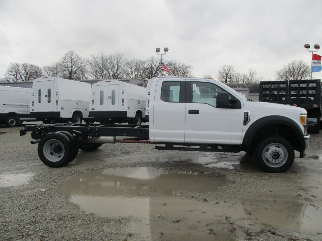 2017 F-450 Super Cab DRW 4x4 Cab Chassis #T70285 - photo 5