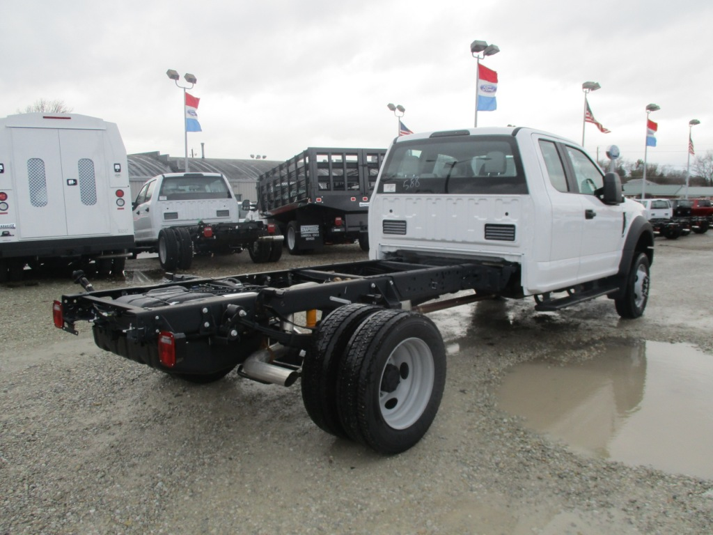 2017 F-450 Super Cab DRW 4x4 Cab Chassis #T70285 - photo 2