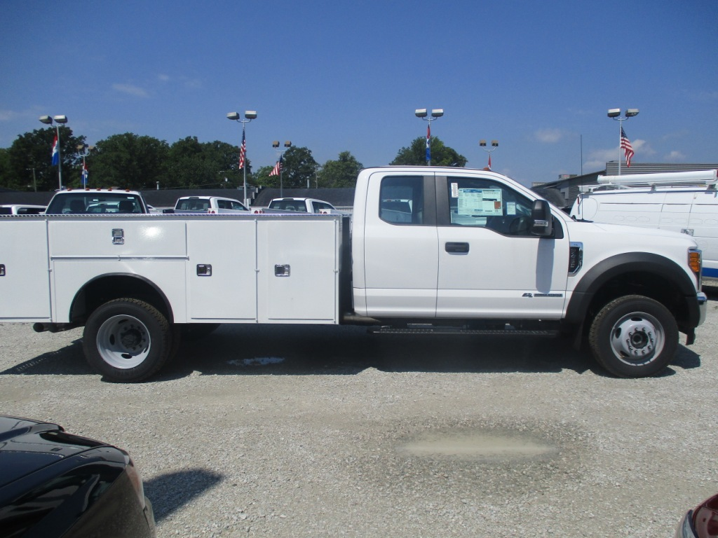 2017 F-450 Super Cab DRW 4x4, Dakota Service Body #T70343 - photo 3
